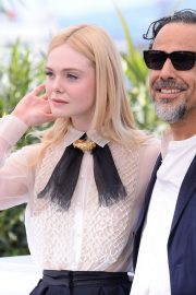 Elle Fanning and Alejandro Gonzalez Inarritu at the 72nd annual Cannes Film Festival 2019/05/14 13