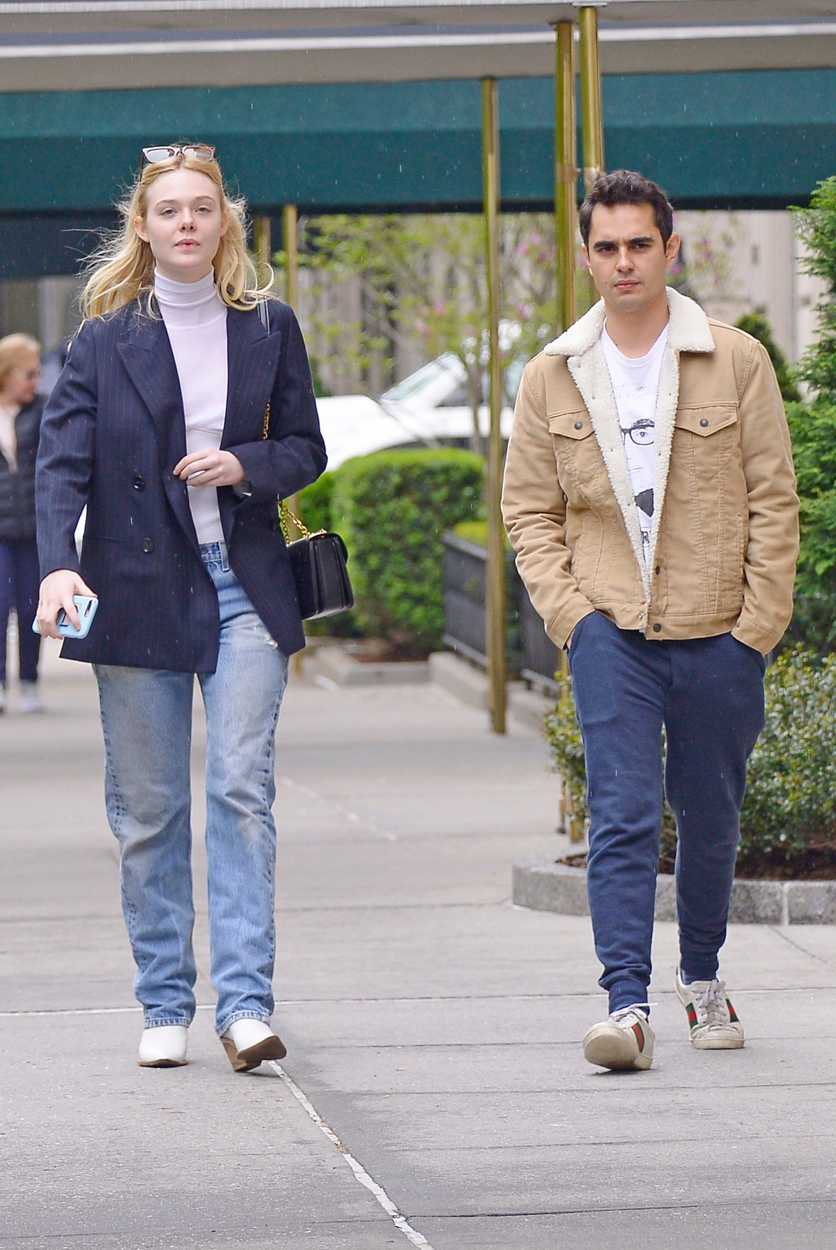 Elle Fanning and Max Minghella Out and About in New York 2019/05/03 1