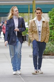 Elle Fanning and Max Minghella Out and About in New York 2019/05/03 3