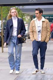Elle Fanning and Max Minghella Out and About in New York 2019/05/03 4