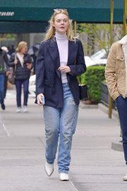 Elle Fanning and Max Minghella Out and About in New York 2019/05/03 5