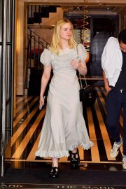Elle Fanning and Max Minghella Out in New York 2019/05/02 1