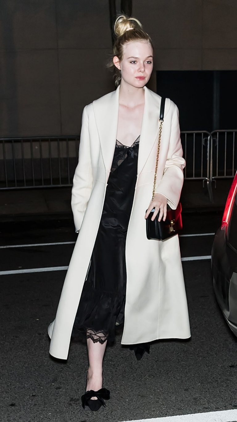 Elle Fanning Arrives at Her Hotel in New York City 2019/05/04 1