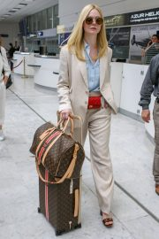 Elle Fanning Arrives at Nice Airport of the 72nd Annual Cannes Film Festival 2019/05/12 1