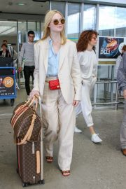 Elle Fanning Arrives at Nice Airport of the 72nd Annual Cannes Film Festival 2019/05/12 5