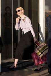 Elle Fanning Arrives at the Martinez Hotel in Cannes 2019/05/16 1