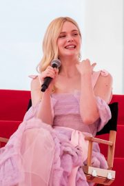 Elle Fanning Giving an Interview on the Croisette in Cannes 2019/05/14 1