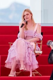 Elle Fanning Giving an Interview on the Croisette in Cannes 2019/05/14 3
