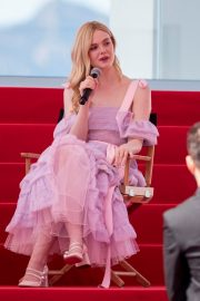 Elle Fanning Giving an Interview on the Croisette in Cannes 2019/05/14 4