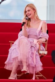 Elle Fanning Giving an Interview on the Croisette in Cannes 2019/05/14 5