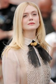 Elle Fanning joins Jury Photocall at 72nd annual Cannes Film Festival in Cannes 2019/05/14 7