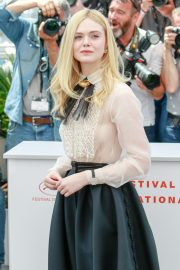 Elle Fanning joins Jury Photocall at 72nd annual Cannes Film Festival in Cannes 2019/05/14 21