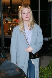 Elle Fanning Out and About in Manhattan 2019/05/03 11