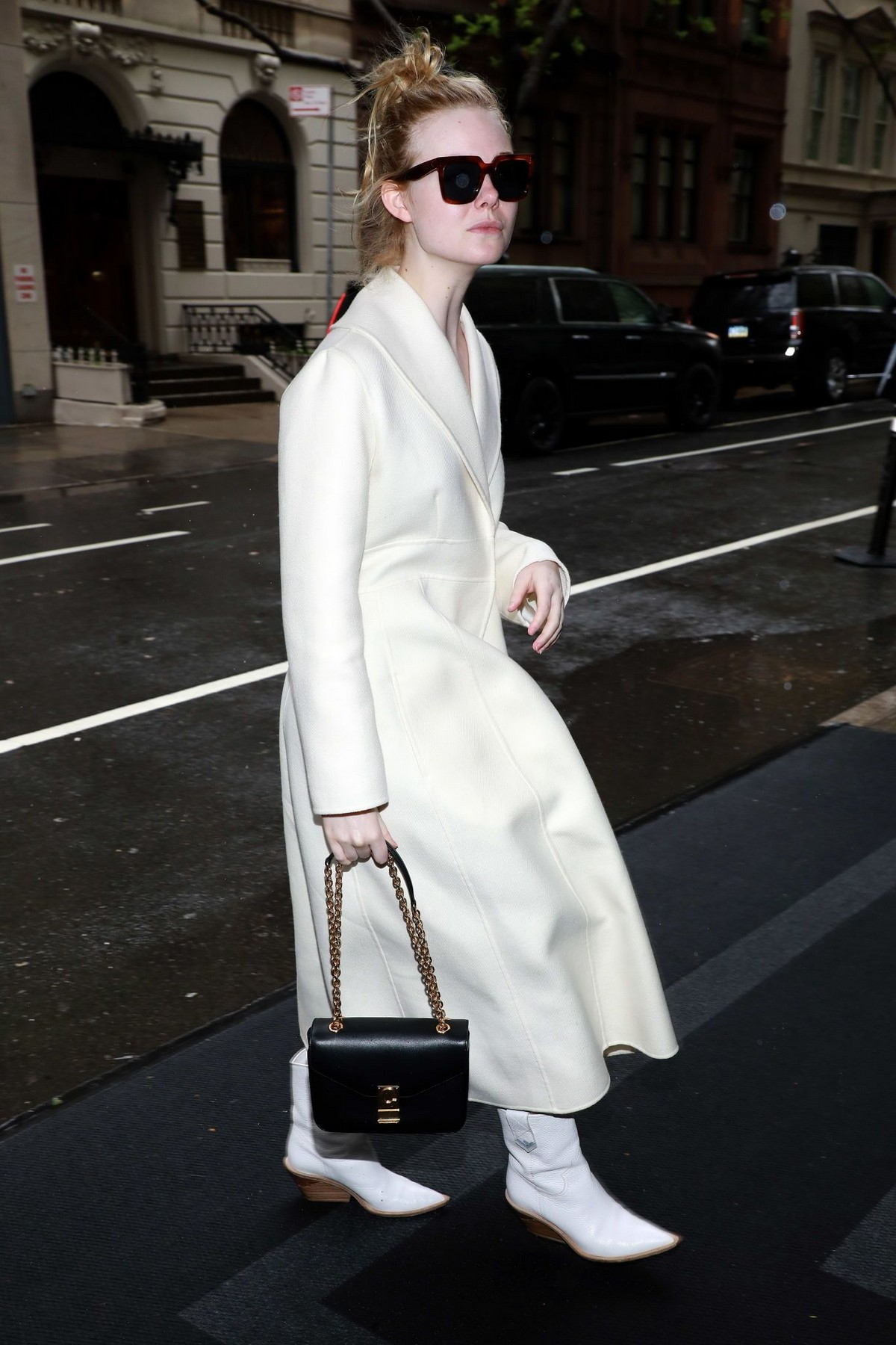 Elle Fanning Out and About in New York 2019/05/05 2