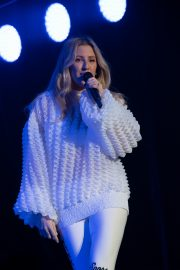 Ellie Goulding Performs at Free Radio Hits Live in Birmingham 2019/05/04 2