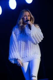 Ellie Goulding Performs at Free Radio Hits Live in Birmingham 2019/05/04 3
