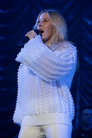 Ellie Goulding Performs at Free Radio Hits Live in Birmingham 2019/05/04 5