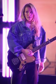 "Ellie Goulding Performs at the BBC One Show to Promote ""New Single"" in London 2019/05/10 4"