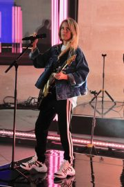Ellie Goulding Rehearsal and Performance at The One Show in London 2019/05/10 6