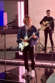 Ellie Goulding Rehearsal and Performance at The One Show in London 2019/05/10 11