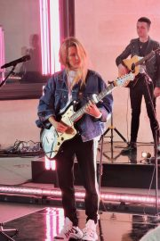Ellie Goulding Rehearsal and Performance at The One Show in London 2019/05/10 12