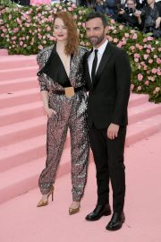 Emma Stone at The 2019 Met Gala Celebrating Camp: Notes on Fashion in New York 2019/05/06 1