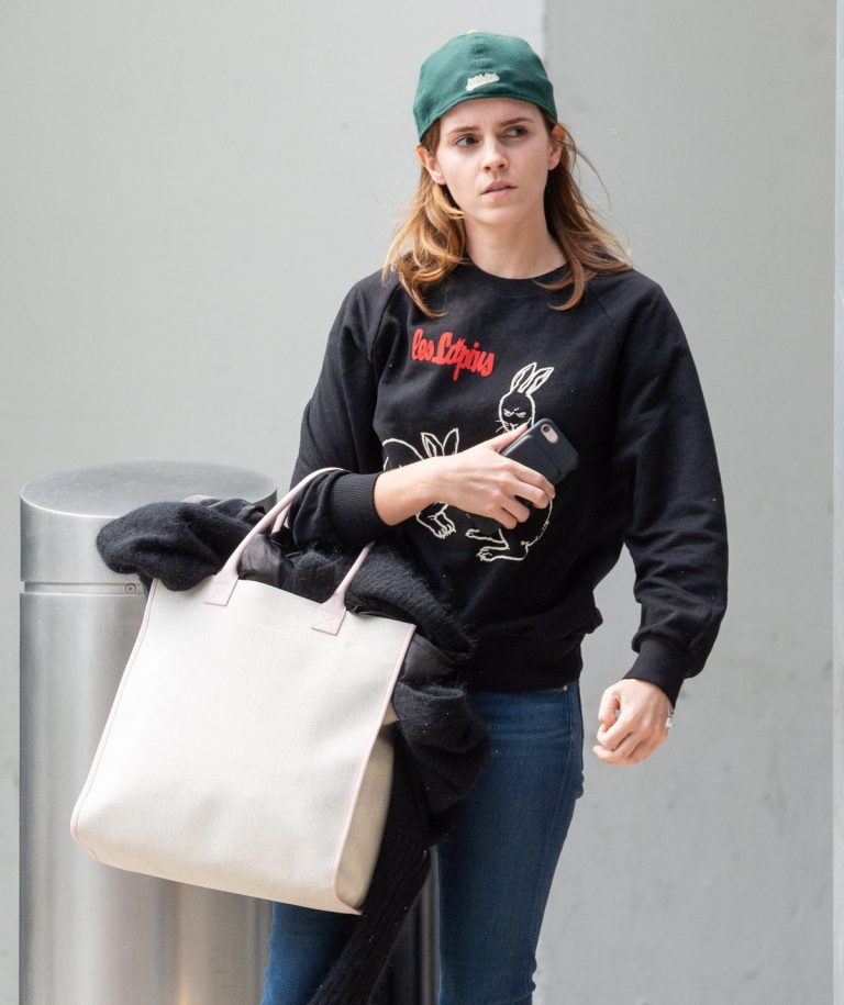 Emma Watson Arrives at JFK Airport in New York 2019/05/17 1
