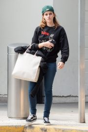 Emma Watson Arrives at JFK Airport in New York 2019/05/17 4