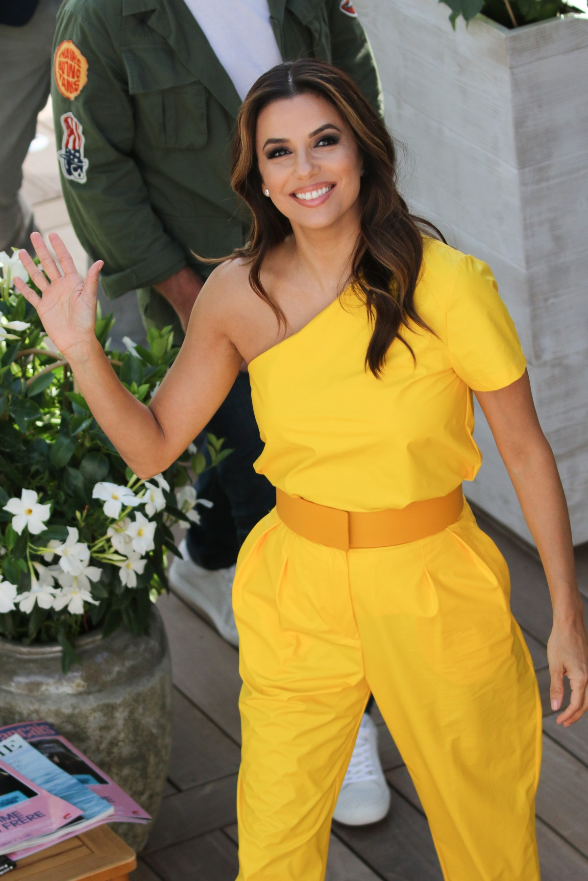 Eva Longoria in Yellow Outfit at 72nd Cannes Film Festival in Cannes 2019/05/15 1