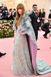 Florence Welch at The 2019 Met Gala Celebrating Camp: Notes on Fashion in New York 2019/05/06 1