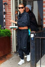 Hailey Baldwin and Justine Skye Go to Lunch in New York 2019/04/30 5