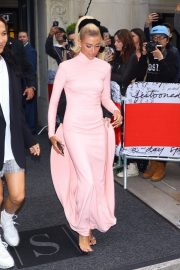 Hailey Baldwin at The 2019 Met Gala Red carpet in New York 2019/05/06 4