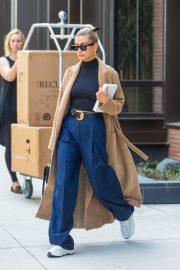 Hailey Baldwin Out Her Brooklyn Apartment in New York 2019/05/02 2