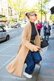 Hailey Baldwin Out Her Brooklyn Apartment in New York 2019/05/02 16