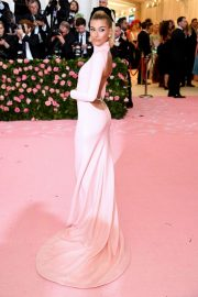 Hailey Bieber at The 2019 Met Gala Celebrating Camp: Notes on Fashion in New York 2019/05/06 2