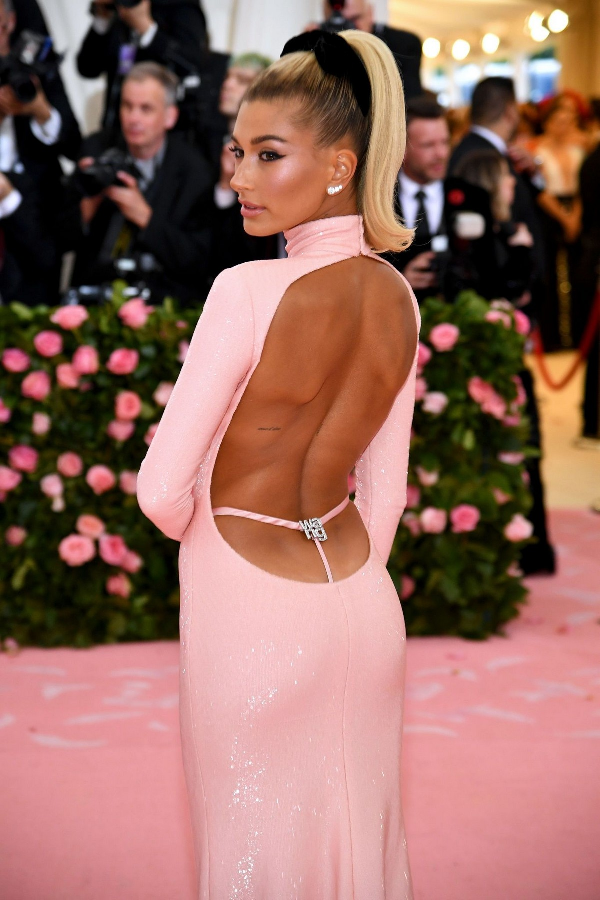 Hailey Bieber at The 2019 Met Gala Celebrating Camp: Notes on Fashion in New York 2019/05/06 3