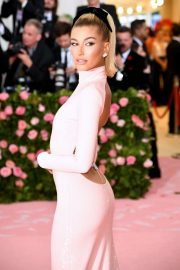 Hailey Bieber at The 2019 Met Gala Celebrating Camp: Notes on Fashion in New York 2019/05/06 5