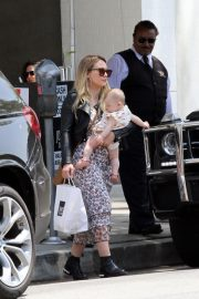 Hilary Duff at Joan's on Third in Los Angeles 2019/05/04 3