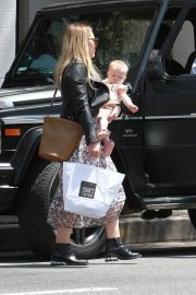 Hilary Duff at Joan's on Third in Los Angeles 2019/05/04 4