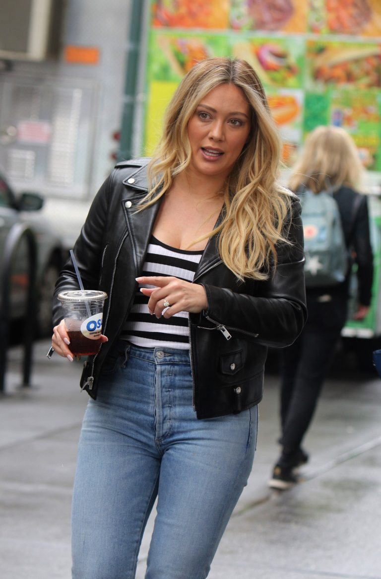 Hilary Duff in Black Leather Jacket on the set of Younger in New York 2019/05/10 1