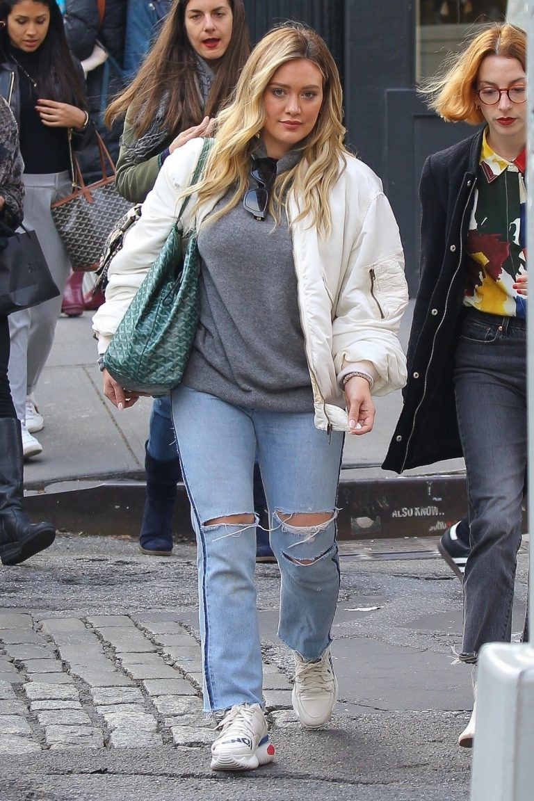 Hilary Duff Out Shopping in New York 2019/04/30 8