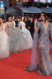 "Hina Khan at Screening of ""Bacurau"" at The 72nd annual Cannes Film Festival 2019/05/15 5"