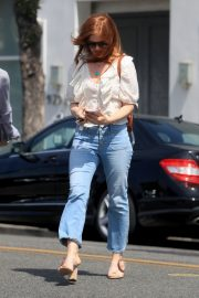 Isla Fisher Out in Beverly Hills 2019/05/ 2