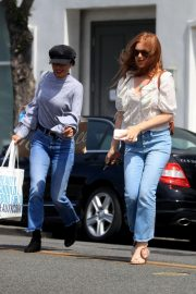 Isla Fisher Out in Beverly Hills 2019/05/ 5