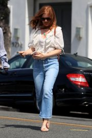 Isla Fisher Out in Beverly Hills 2019/05/ 6