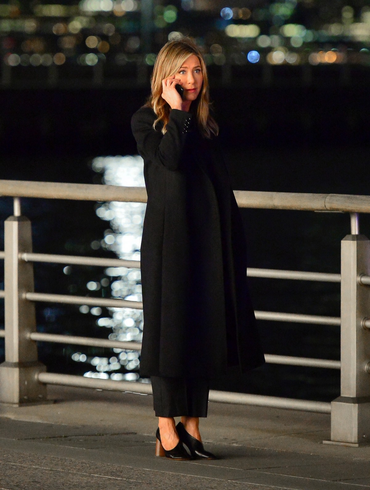 Jennifer Aniston Late Night Shoot for Her Upcoming Movie 2019/05/10 15