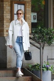 Jennifer Lawrence Spends Time with family in New York 2019/05/10 3