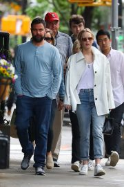 Jennifer Lawrence Spends Time with family in New York 2019/05/10 11