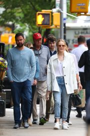 Jennifer Lawrence Spends Time with family in New York 2019/05/10 13