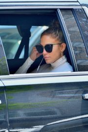 """Jennifer Lopez Out to Film """"Hustlers"""" in New York 2019/05/02 6"""